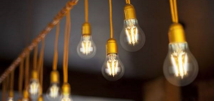 Vintage-style LED filament bulbs at LEDHut