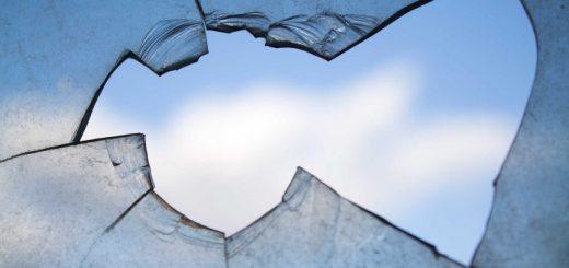 Broken window. Photograph by Skeeze at Pixabay